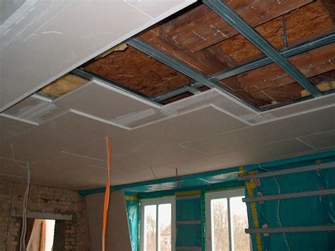 abgehängte decke brandschutz rigips unterkonstruktion metall die trockenbau unterkonstruktion metall oder unterkonstruktion