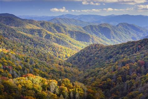 Smoky Mountain Tourism Helps Tennessee Break Record