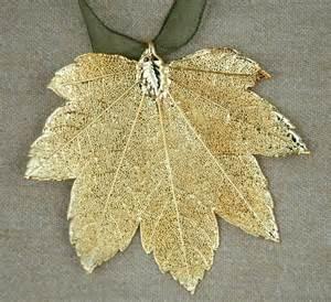 moon maple leaf ornament sturbridge yankee workshop