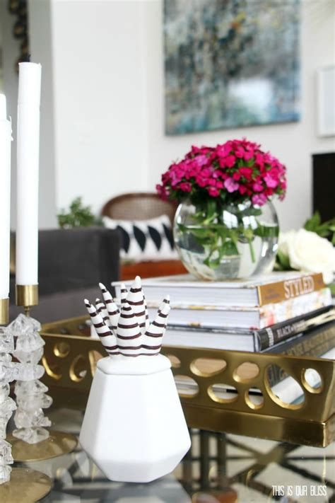 Rather than instructing you on how to decorate your coffee table, let these photos drive home one main point: How to Style a Coffee Table Two Different Ways | 1 table + 2 looks!
