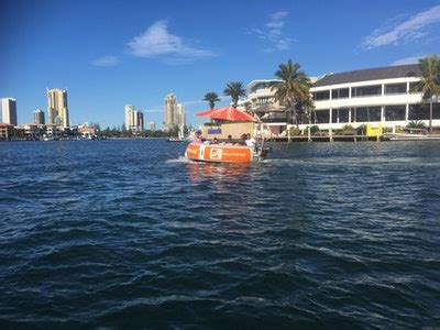Round A Boat Gold Coast by Destination Gold Coast Water Activities