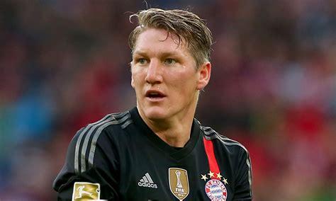 manchester united agree deals  bastian schweinsteiger