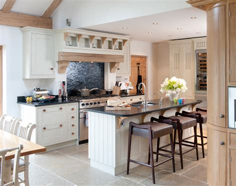 country kitchen interiors country kitchen berkshire mtd 2818