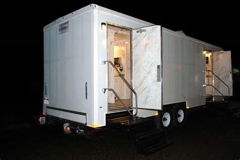 restroom trailer rental  plaza  callahead
