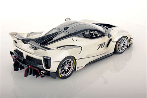 On the other hand, when a bella is dressed in the charm she looks the most. Ferrari FXX-K Evo 1:18 | MR Collection Models