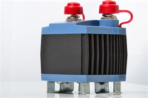 electronic battery isolator intervolt