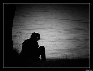 Lumea in Alb si Negru...: Lonely girl