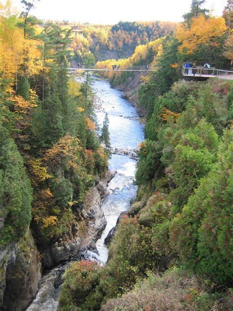File:Canyon Sainte-Anne, la vallée.jpeg - Wikimedia Commons