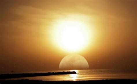 Day Of Judgment sun moon join on day of judgment about islam