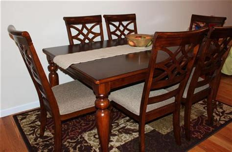 bobs kitchen table