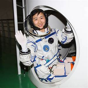 Girl Astronaut - Pics about space