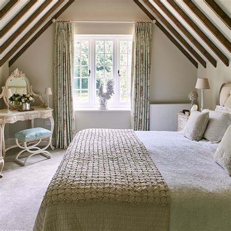 Cottage Bedrooms by Best 25 Cottage Bedrooms Ideas On