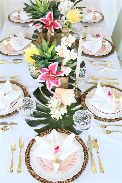 idee deco pour une table de mariage tropical chic en