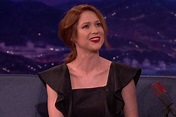 Ellie Kemper tried smoking for four days and it was a ...