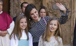 El curioso caso de la falda que la Reina Letizia tardó dos años en estrenar