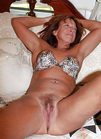 AMATEUR HOME BIG TITS MILF WIFE MATURE MOM Pics