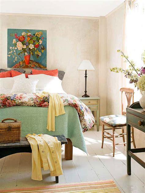 Modern Furniture Comfortable Bedroom Decorating 2013