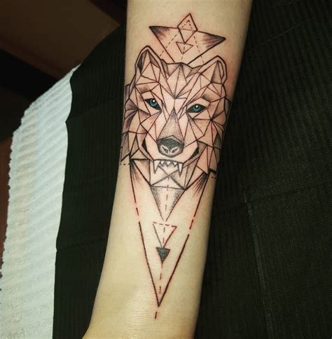 tribal lone wolf tattoo designs meanings