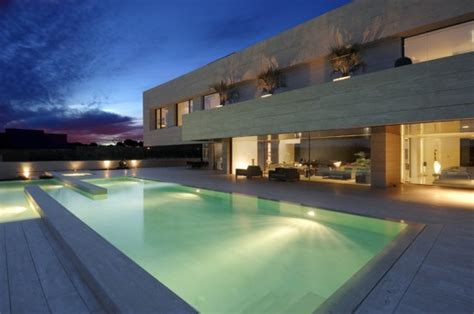 luxury minimalist house  spectacular swimming pool  housing   cero digsdigs