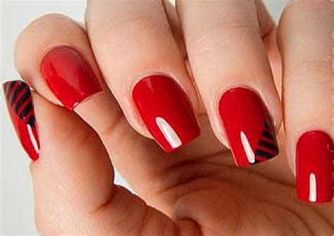 25 Simple Nail Art Designs For Beginners