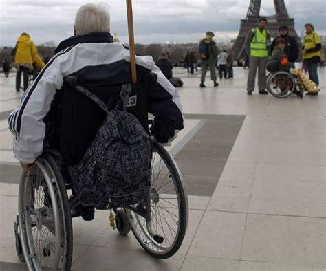 handicap les fauteuils roulants trop mal rembours 233 s faire toute l actualit 233 du