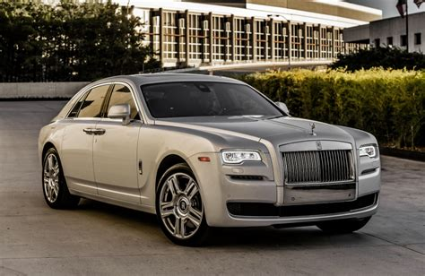 Download 2048x1536 Rolls Royce Ghost, Silver, Side View