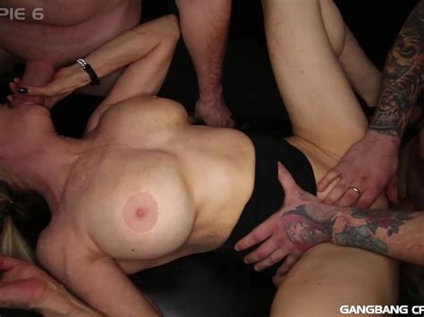 Gilf Diana Takes 7 Loads In This Hot Gangbang Free Porn