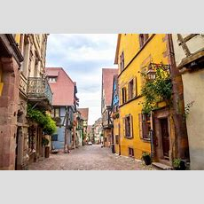 12 Most Charming Small Towns In France (with Photos & Map
