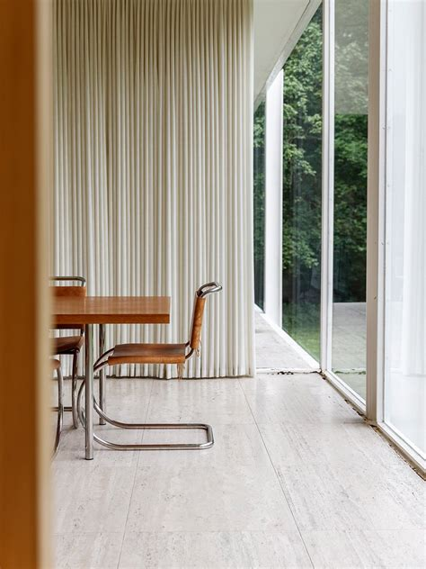 farnsworth house  ludwig mies van der rohe  interiors