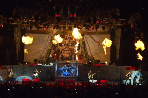 Death Star Live Wallpaper Live Review And Photos Iron Maiden July 5 2012 Chicago Il First Midwest Bank Amphitheatre