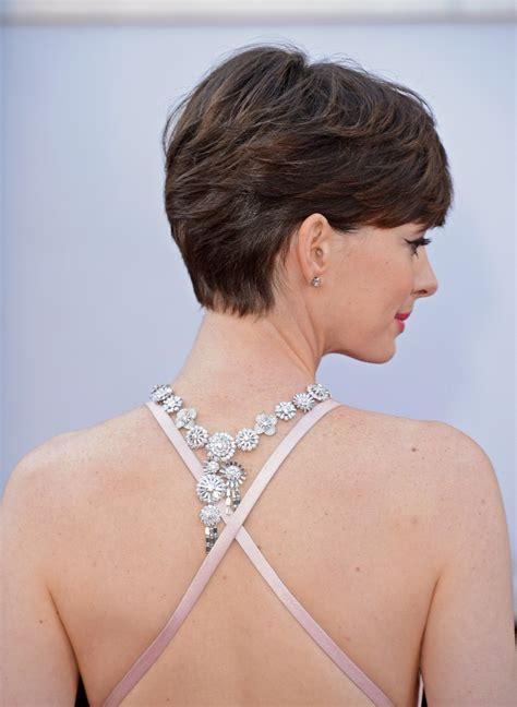 While jumping from short to long extremes for movie scenes, in real life, anne hathaway short hair has taken over hollywood for its chic combination of stylishness and practicality. More Pics of Anne Hathaway Short Side Part (2 of 90 ...