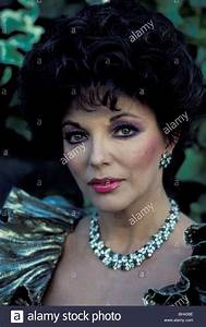 Joan Collins Stock Photos & Joan Collins Stock Images - Alamy