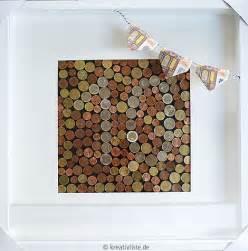 hochzeitsgeschenke selber gestalten geldgeschenk mit münzen als wandbild gestalten kreativliste
