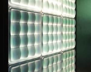 la brique de verre lumineuse de fred fred inspiration bain With carrelage adhesif salle de bain avec publicité lumineuse led