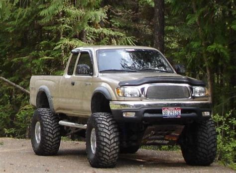 toyota tacoma extended cab   roads   roads