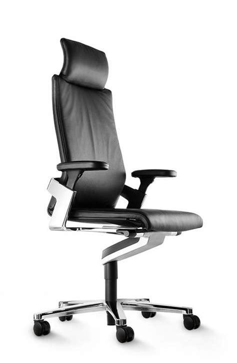 wilkhahn in 3d ergonomic office chair on task and conference chair