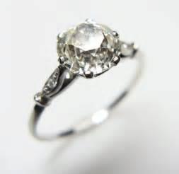 verlobungsringe vintage passing engagement rings ideas