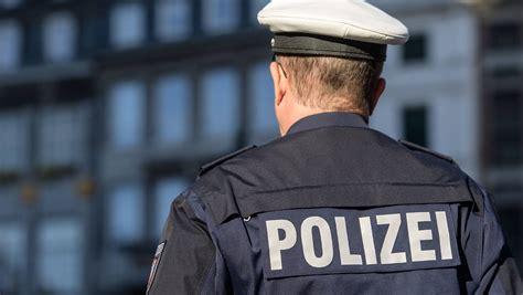 Sportwagenfahrer Ueber Die Polizei by D 252 Rfen Die Das Zehn Irrt 252 Mer 252 Ber Die Polizei N Tv De