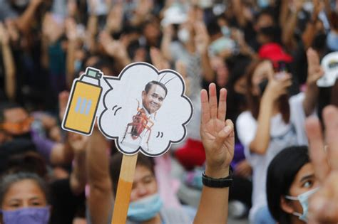 Thai protesters' deadline passes, but PM says he won't ...