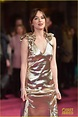 Dakota Johnson & 'How to Be Single' Cast Premiere Film in ...