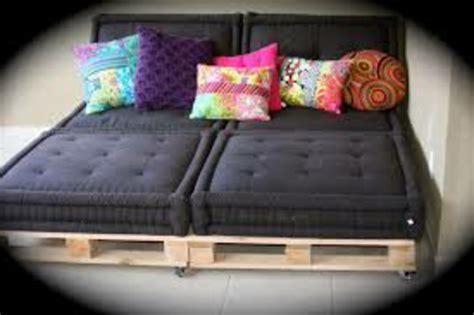 coussin pour canapé noir superb coussin pour canape palette 5 canapee en palette noir coussin color c3 a9 jpg reverba com