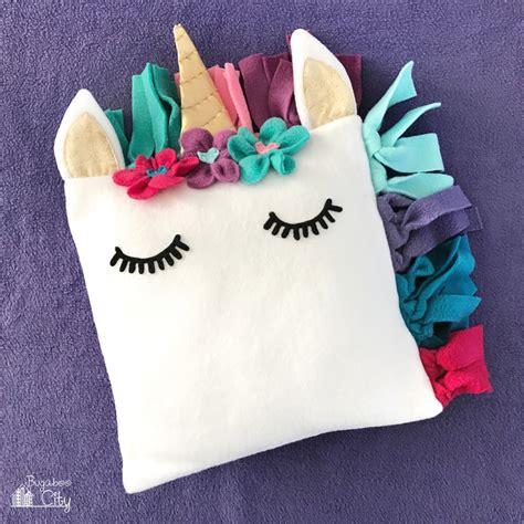 children s pillow diy fleece unicorn pillow with free pattern bugaboocity