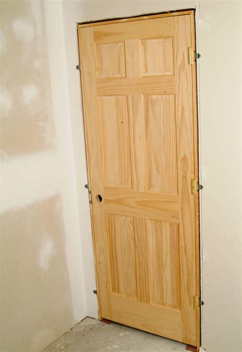 installing interior door  easy steps attach  door