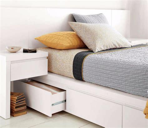 Itulah ide desain kamar tidur ukuran 2×3 agar nampak lebih luas dan fungsional. Desain Kamar Tidur Sempit Kasur Lantai