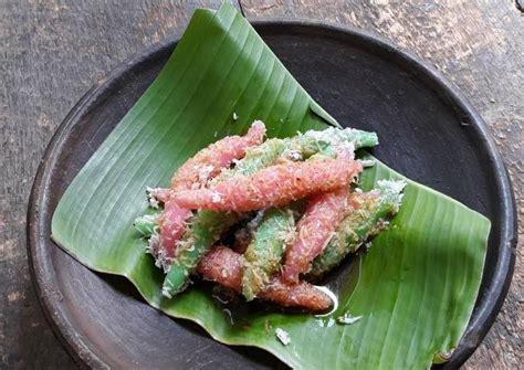 Resep cenil, menu sarapan dengan tekstur kenyal yang cocok disajikan untuk disantap saat akhir pekan. Resep Cenil (PR_jajanantradisional) oleh yantie - Cookpad