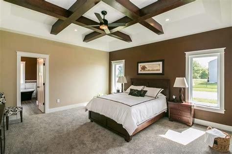 master bedroom plush carpet in a speckled color   Design