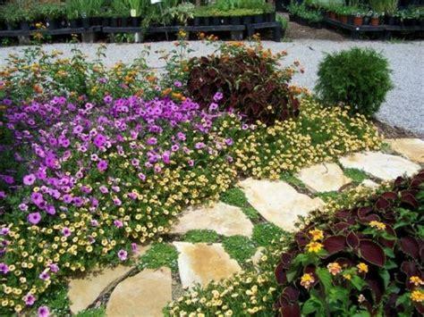 Gestaltung Gartenwege Beispiele|mit Steinplatten Den