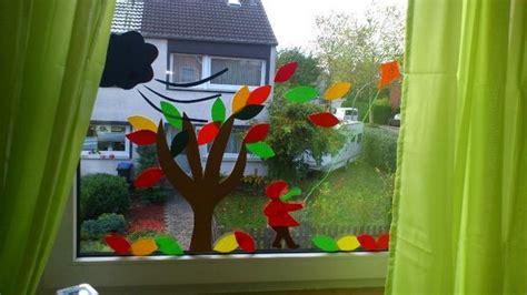 Herbstdeko Kinderzimmerfenster by Deko Kinderzimmerfenster