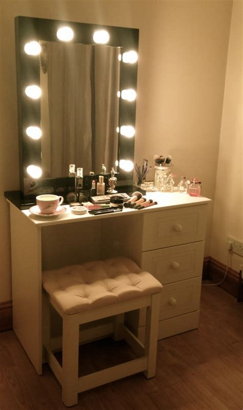 vanity table with lighted mirror makeup table with lights