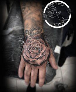 Tatouage Rose Main Homme Tatouage Rose Tattoome Le Meilleur Du